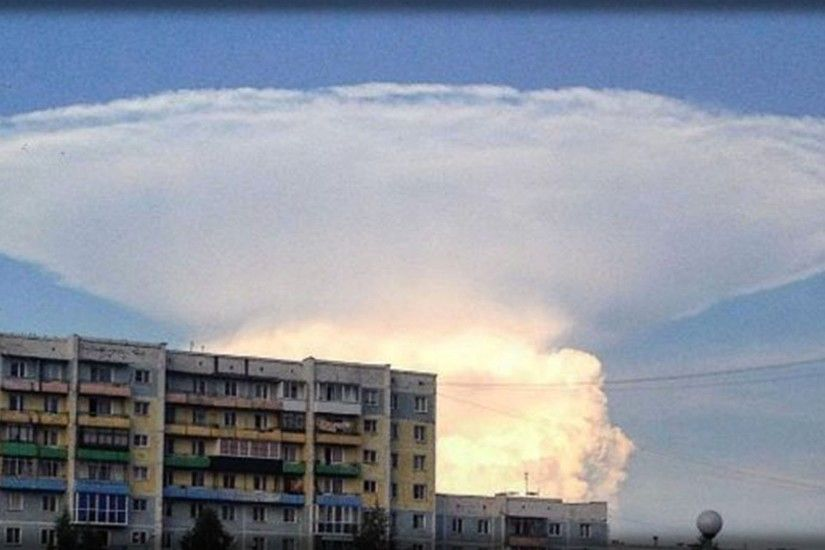 RUSSIANS FEAR NUCLEAR DOOMSDAY AS GIANT MUSHROOM CLOUD IN SIBERIA MAY  FORESHADOW EVENTS - YouTube