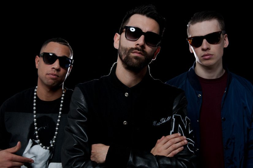 Yellow Claw backdrop wallpaper