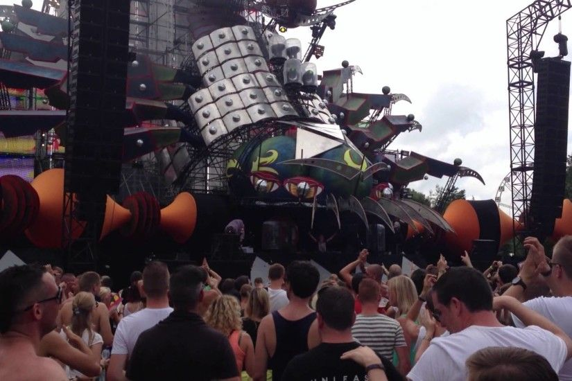 Coone @ Tomorrowland 2013 - Q-Dance stage
