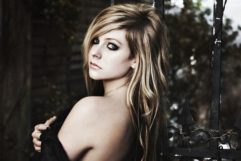 HD Avril Lavigne Wallpapers 01 HD Avril Lavigne Wallpapers 02