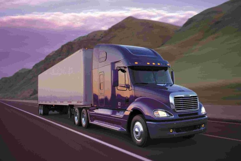 Another Wallpaper of Freightliner