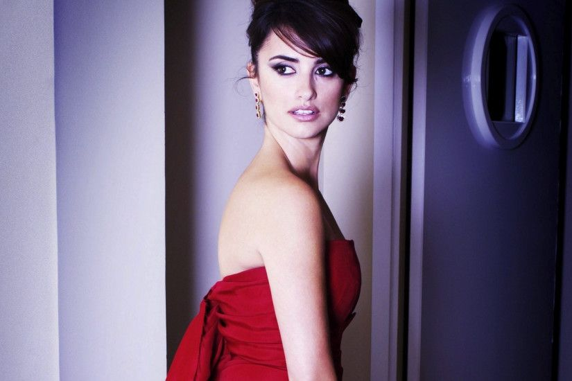 Preview wallpaper penelope cruz, dress, celebrity, style, image, actress  3840x2160