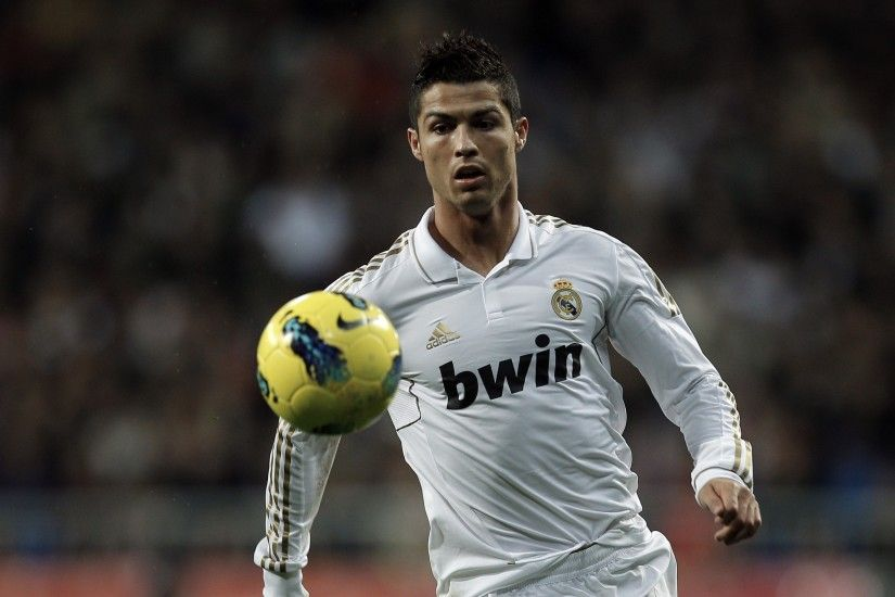 Preview wallpaper cristiano ronaldo, real madrid, football player, ball,  football 3840x2160