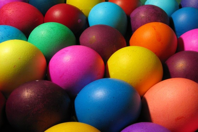 Easter Wallpaper with Bright Easter Eggs. Beautiful Easter Wallappers_2-2