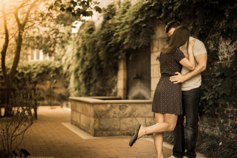 5. kissing-wallpaper-free-Download5-600x375