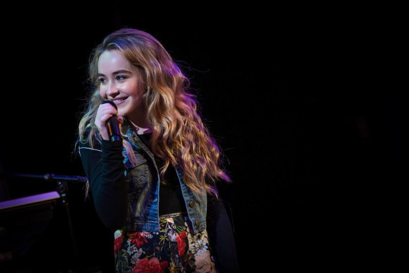 Sabrina Carpenter Singer Wallpaper 55311