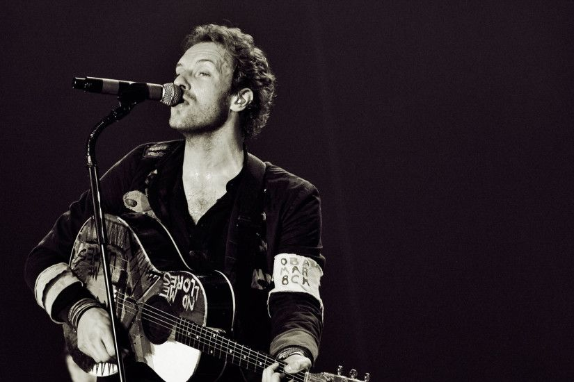 1920x1080 Wallpaper coldplay, singing, microphone, guitar, solo