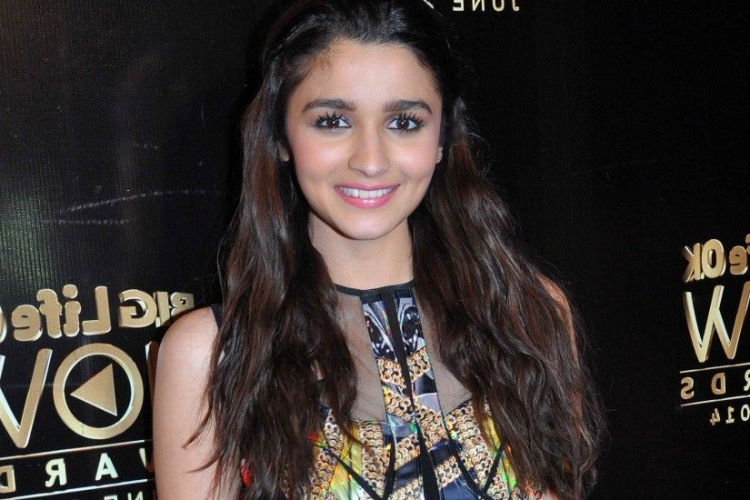 Alia Bhatt New Wallpapers
