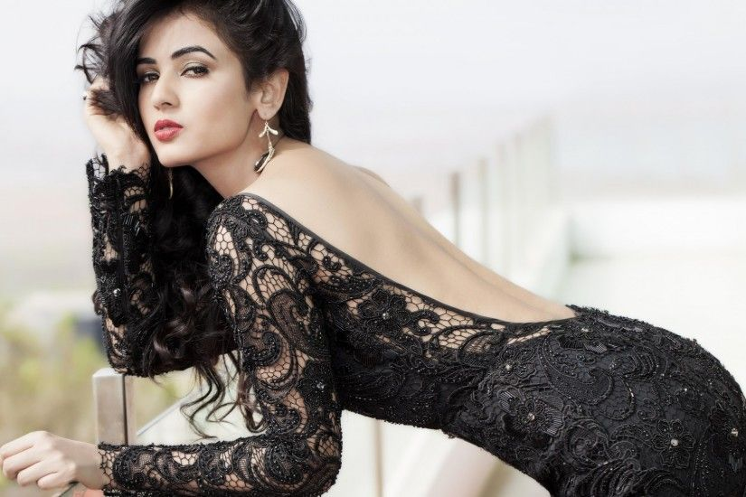 Wallpaper Sonal Chauhan, Bollywood actress, HD, 4K, Celebrities / Indian,  #2790