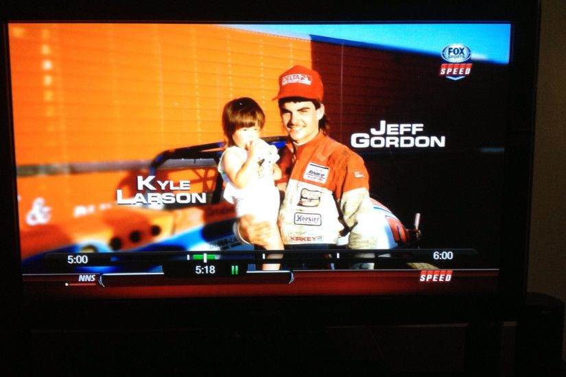 Last Wind Tunnel - Jeff Gordon and Kyle Larson in front of a sprint car ...