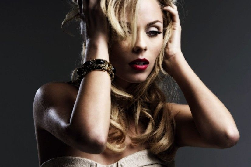 Laura Vandervoort HD Wallpaper | Hintergrund | 2560x1920 | ID:831547 -  Wallpaper Abyss