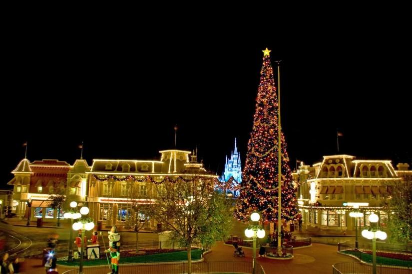 Disney christmas wallpaper download free beautiful hd christmas at disneyland voltagebd Images