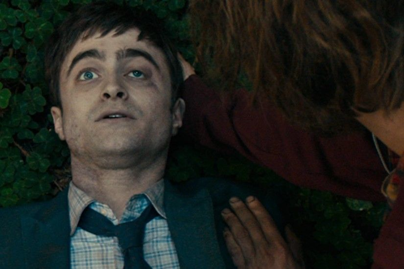 'Swiss Army Man' Trailer: Daniel Radcliffe Finally Plays A Fart Motorboat |  Player.One
