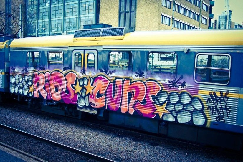 graffiti hd wallpaper the train street art cool images download amazing  artwork background wallpapers desktop wallpapers mac desktop images samsung  phone ...