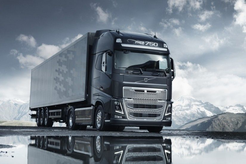 Volvo Semi Truck Wallpaper