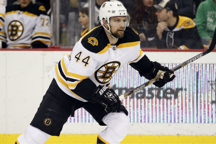 Bruins' Dennis Seidenberg to have back surgery, miss two months | NHL |  Sporting News