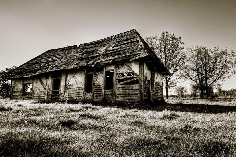 2560x1600 Wallpaper house, wooden, ruins, black-and-white