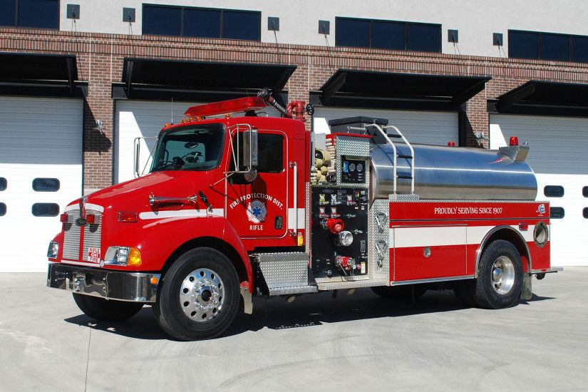 Pierce Fire Truck Wallpaper Firetruck pierce wallpaper 1920x1440