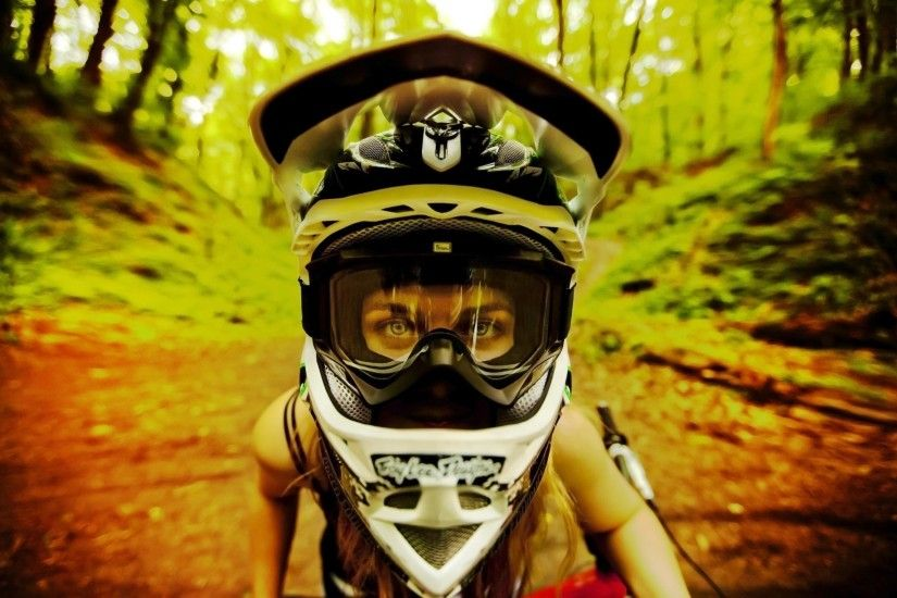girl mtb dirt bike court nyashka
