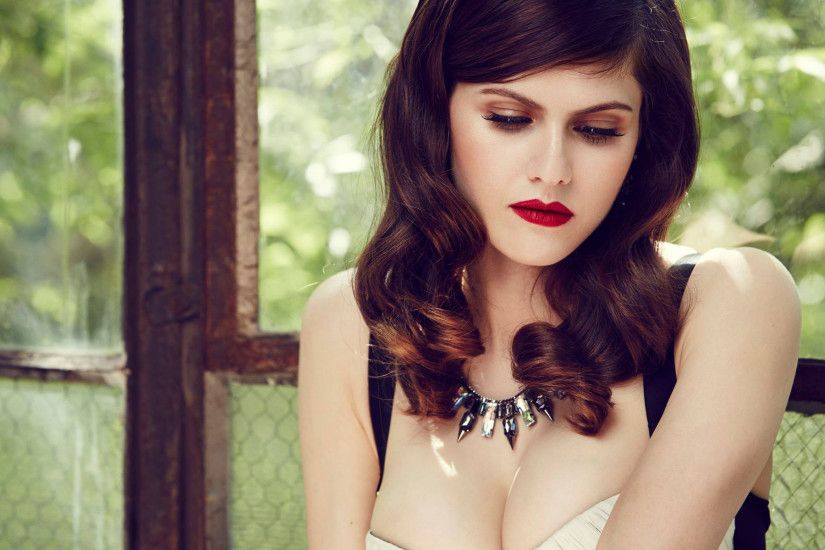 ... Alexandra Daddario Widescreen Wallpaper