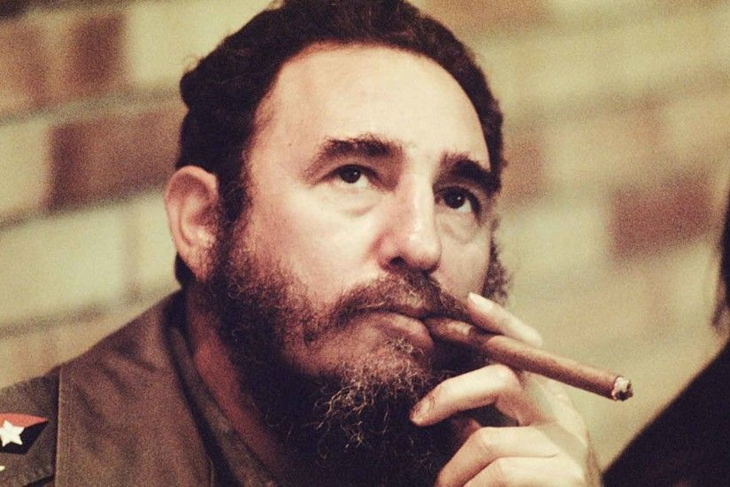 ... Support Fidel Castro Cigar Stock Photos and Pictures | Getty Images ...