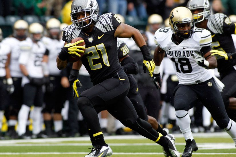 Colorado: Oregon wore black jerseys for the first time in 2012 to go with  carbon fiber helmets and black pants.