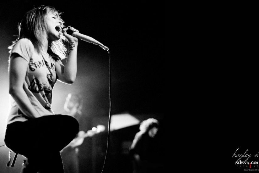 Grayscale Hayley Williams picture