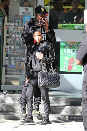 Nicki Minaj and Meek Mill Arrive in Vancouver -02 - Full Size