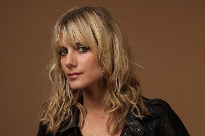 melanie laurent 2067x2601 wallpaper Art HD Wallpaper