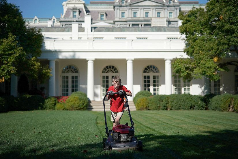 An 11-year-old boy named Frank mowed the White House lawn (and waived his  usual fee) - TODAY.com
