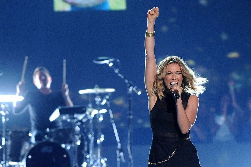 "Rachel Platten's ""Fight Song"" Holds #1 at Hot AC Radio; Imagine Dragons, Charlie  Puth Go Top 15"
