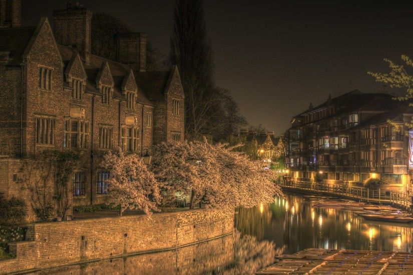 Magdelene College Cambridge at Night HD Wallpaper. « »