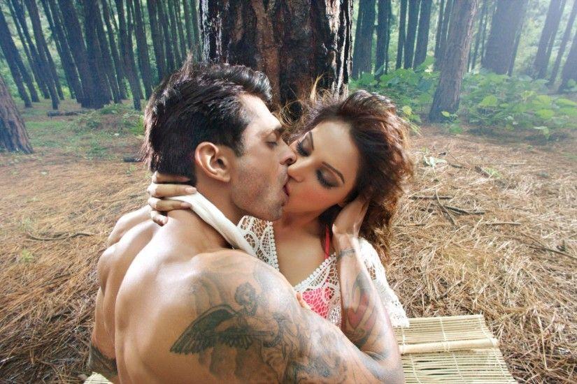Kiss Wallpaper Download HD