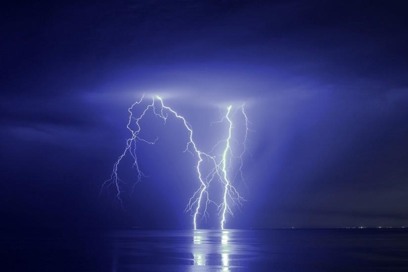 large lightning wallpaper 1920x1200