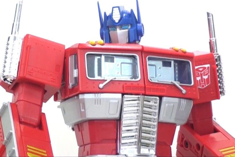 Video Review of the Transformers TRU Exclusive: Masterpiece Optimus Prime -  YouTube