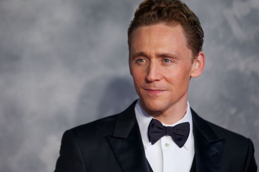 Wallpaper Tom hiddleston, Man, Actor, Costume, Smile HD, Picture, Image