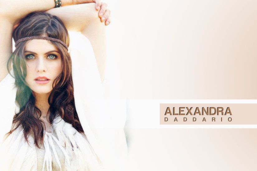 Alexandra Daddario Photo Wallpaper