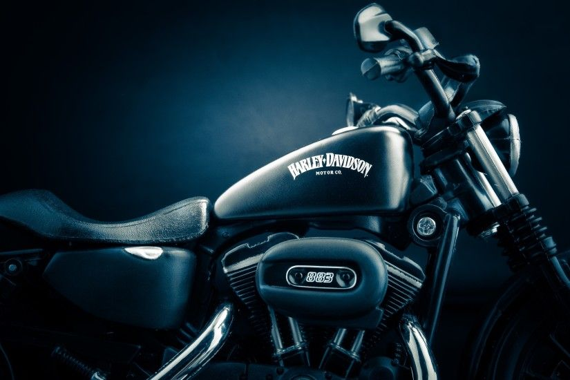 Tags: Harley Davidson Iron 883 ...