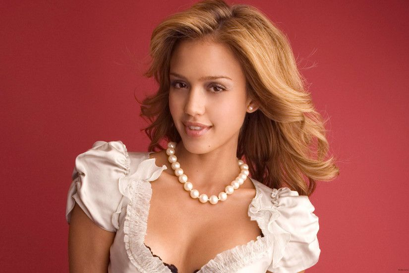 Hot Look of American Hollywood Film Celebrity Jessica Alba Wallpaper ...