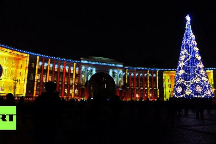 Russia: Dazzling festive laser show lights up St. Petersburg