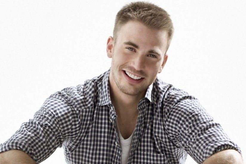 Actor Chris Evans Charming Smile (1920x1080px)