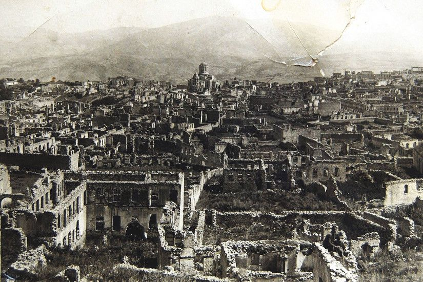 File:Armenian boroughs of city of Shusha destroyed by Azerbaijani armed  forces in 1920 with