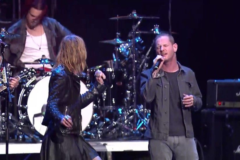 "HALESTORM And Corey Taylor Do A Great TEMPLE OF THE DOG ""Hunger Strike""  Cover Live - Metal Injection"