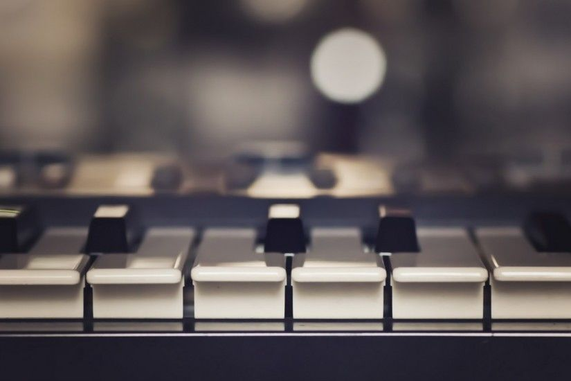 Preview wallpaper piano, music, keys, musical instrument 2560x1440