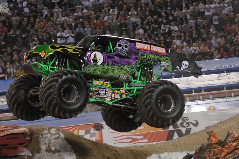 <b>Monster Truck HD desktop wallpaper</b> : <b>
