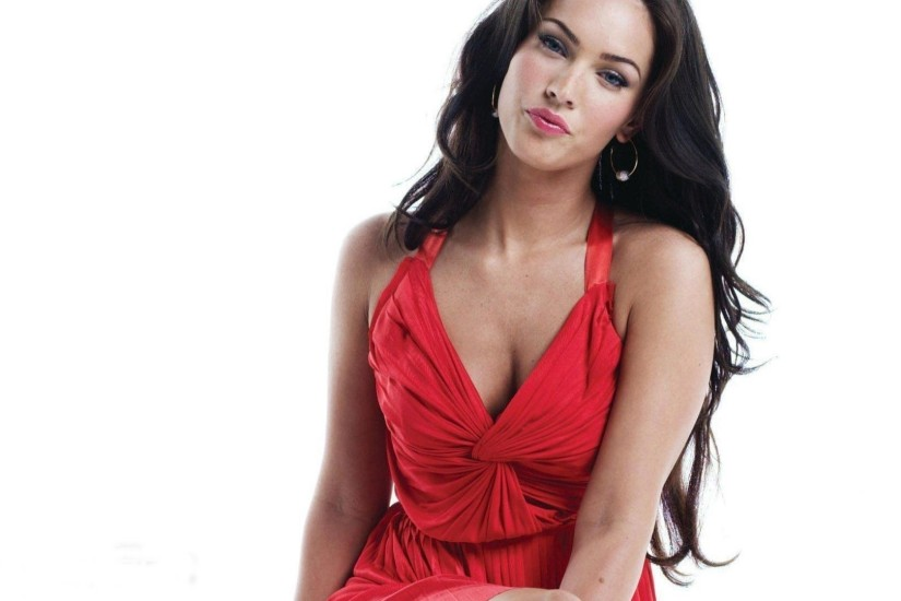Preview wallpaper megan fox, dress, girl, smile 1920x1080