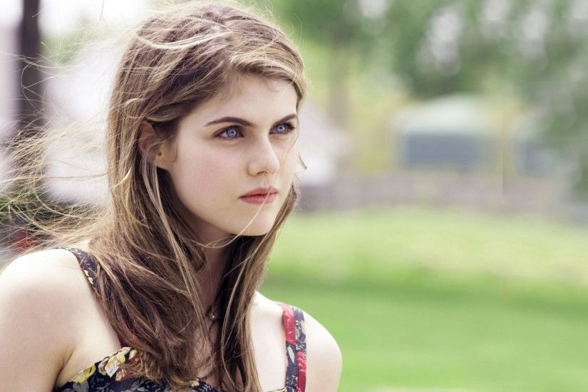 Alexandra Daddario Blonde Hair