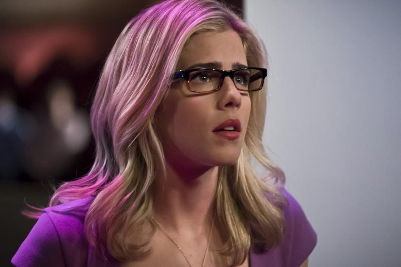 *New* Emily Bett Rickards Speaks Olicity With EW ***SPOILERS*** Leave a  comment