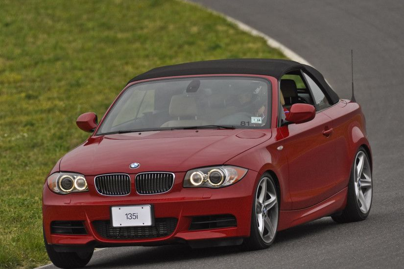 BMW 135i Cabrio US-spec 2008–2011 wallpaper