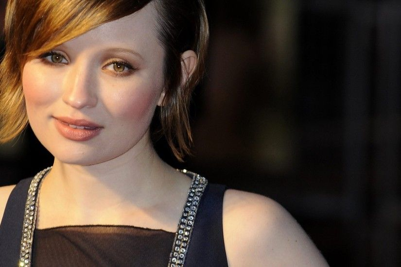 Emily Browning Wallpaper Pack